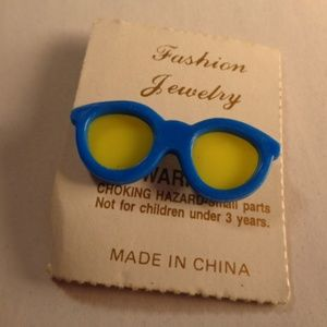 Vintage Retro Sunglass Brooch pin